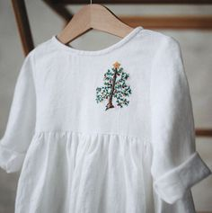 Hand Embroidered Little Girls Linen Christmas Dress | TinyStoriesClothes on Etsy