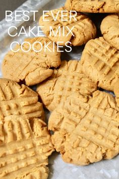 These peanut butter cookies are so good and no one has to know that they are cake mix cookies made with just a few ingredients so easy! cookies cakemix easyrecipe orina tesla beheizbare handschuhe schwarz gelb m orinaorina Cake Mix Cookie Recipes, Cupcake Recipes, Dessert Recipes, Recipes Dinner, Cookie Mixes, Pasta Recipes, Baking Recipes, Crockpot Recipes, Soup Recipes