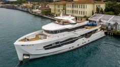 Numarine 32XP Explorer Yacht