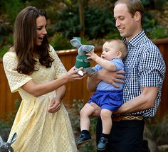 PERFECTION! Kate Middleton and Prince William give Prince George a stuffed bilby to play with!
