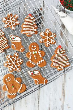 Easy Gingerbread Men Cookie Recipe! The best AND cutest gingerbread cookies out there that are not too soft and not too hard, including royal icing recipe