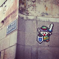 8bit link on a wall.