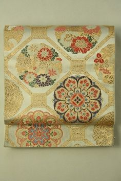 Gold and Silver Fukuro Obi (Zentsu) / 銀地 金と多色の蜀江文様 六通袋帯   #Kimono #Japan http://www.rakuten.co.jp/aiyama/