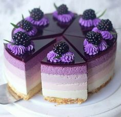 5 beautiful cake inspiration idea for wedding cake, birthday and kids Purple cake, purple dessert, blackberry topping cake,. Mini Desserts, Purple Desserts, Purple Cakes, Strawberry Desserts, Chocolate Desserts, No Bake Desserts, Delicious Desserts, Chocolate Cake, Strawberry Cheesecake