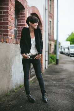 coveting Coline's cropped 'do. chopping off my hair is always a want