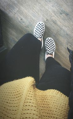 Checkered vans outfit yellow sweater