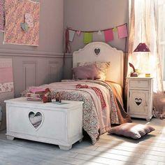 shabby chic girl's room...