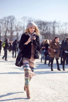 Welcome to ANOTHER edition of street style this time featuring another one of my obsessions du jour: Sasha Pivovarova. Sasha is a Russian mo. Cool Outfits, Fashion Outfits, Womens Fashion, Sasha Pivovarova, Polished Look, Winter Dresses, Autumn Winter Fashion, Winter Style, Her Style