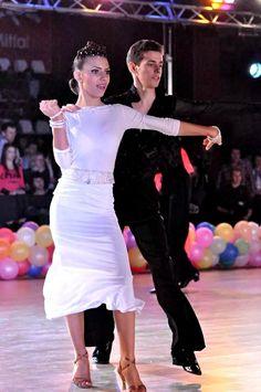 Samba Samba, See Photo, Four Square, Peplum Dress, Braids, Dresses, Fashion, Cornrows, Fashion Styles