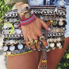 We love our arm candy! We love our arm candy! Hippie Chic, Boho Chic, Bohemian Chic Fashion, Trendy Fashion, Style Fashion, Trendy Style, Ethno Style, Gypsy Style, Boho Gypsy