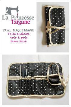La Princesse Tzigane-Trousse à maquillage. #créationstextiles #bordsdeRance #accessoires #cadeaux #maison #creatybreizh #saintservan #laprincessetzigane #étui #maquillage #femme #trousse #pois #noir #dorée