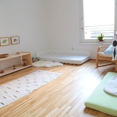 Simple and beautiful Montessori bedroom!