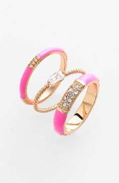 Trend to Try: Stackable Rings #girly #accessories +++For tips and advice on #trends and fashion, Visit http://www.makeupbymisscee.com/