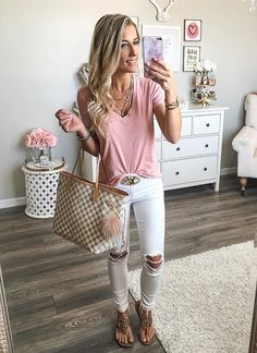 loving these white, distressed skinny jeans!