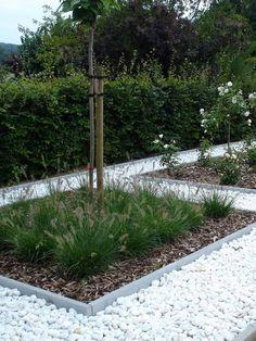 Garden Types, Ideas Para El Patio Frontal, Privacy Fence Designs, Pinterest Garden, Garden Deco, Exterior, Garden Edging, Urban Farming, Front Yard Landscaping