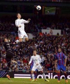 ronaldo jumping - Cerca con Google