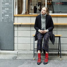 ◆FUDGE11月号掲載◆毛混ダイヤケーブルソックスの写真01