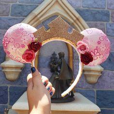 Diy Mickey Mouse Ears, Mini Mouse Ears, Diy Disney Ears, Disney Mickey Ears, Wedding Gifts For Women, Disney Bachelorette, Disney Day, Mouse Ears Headband, Disney Crafts