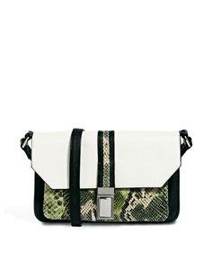 Image 1 - ASOS - Sac bandoulière avec poche effet peau de serpent sur le devant
