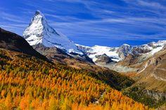 Zermatt, en Suiza, a los pies del Matterhorn, es un lugar en el que está prohibido la circulación de coches.