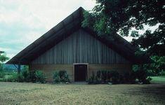 PNG CHURCH / PETER STUTCHBURY