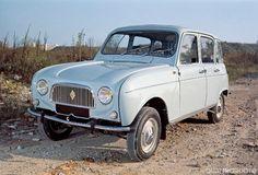 <b>Renault 4.</b> Negli anni '60 la Renault volle creare un'auto pensata per essere pratica e comoda: così nacque la 4, prodotta fino al 1993 e venduta in oltre 8 milioni di esemplari. La leggerezza e le dimensioni compatte conferivano alla Renault 4 grandi doti di agilità, supportate da motori di piccola cubatura con potenze tra i 20 e i 34 CV.