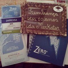 Ganhei caderno e até chocolate gramadense da Merkator. Obrigada @feirazerograu #gramado #feirazerograu2013