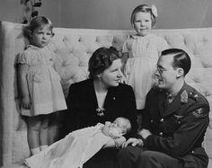 Beatrix, Irene en de pasgeboren Margriet.