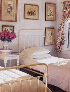 Cottage decor: Bedroom   McMillen, Inc.