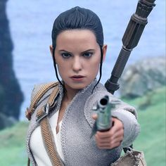 Star Wars Rey (Resistance Outfit) Sixth-Scale Figure