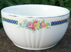 """Hall China drippings jar bottom/bowl in the """"Blue Bouquet"""" pattern of the Measures 5 x 2 Marked in gold on bottom. Porcelain Dinnerware, Porcelain Ceramics, Vintage Bowls, Vintage Green, Hall Pottery, Green Bowl, Blue Bouquet, Cuppa Tea, Mixing Bowls"""