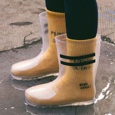 BACK IN STOCK! We know that many of you have been waiting for this moment, our transparent rain boots, made of recycled polyester, are… Sock Shoes, Cute Shoes, Me Too Shoes, Shoe Boots, Shoe Bag, Rain Shoes, Heeled Rain Boots, Fashion Models, Fashion Shoes