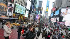 MANHATTAN: THEATER DISTRICT: With Times Square at its center, residents adapt to living among tourists. By Rosa O'Hara. November 3, 2016. Living in the Theater District is all about compromise. It has a vibrant energy and is a convenient place to live for those who work in midtown, but it is also home to one of the world's biggest tourist destinations. There's a huge amount of retail stores, but neighborly cafes are hard to come by.