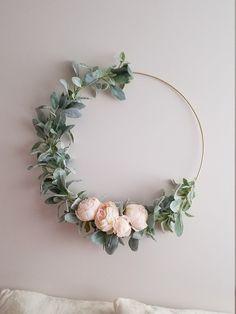 Modern Hoop Wreath, Large Nursery Wreath , Gold Hoop Wreath, Minimalist Wreath, Lambs Ear and Peony Modern hoop wreath! This modern floral hoop wreath would look beautiful on any door or Diy Spring Wreath, Diy Wreath, Grapevine Wreath, Gold Wreath, Wreath Ideas, Wreaths For Front Door, Door Wreaths, Yarn Wreaths, Floral Wreaths