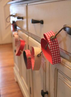 valentine crafts, paper garlands, easi tutori, diy crafts, valentine day, valentin garland, paper heart, papers, kid crafts