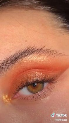 Edgy Makeup, Makeup Eye Looks, Eye Makeup Art, Natural Eye Makeup, Skin Makeup, Eyeshadow Makeup, Orange Eye Makeup, Natural Eyeliner, Glow Makeup