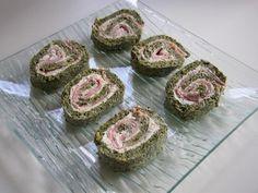 """750g vous propose la recette """"Roulé épinards, saumon et boursin"""" publiée par mirald."""