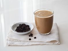 Coffee Soymoothie - This creamy coffee drink has both almond butter and silken tofu to get you started in the morning! Tofu Smoothie, Juice Smoothie, Smoothie Drinks, Healthy Smoothies, Smoothie Recipes, Green Smoothies, Coffee Barista, Coffee Creamer, Coffee Meme