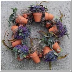 6. Easy Flower Pot Wreath