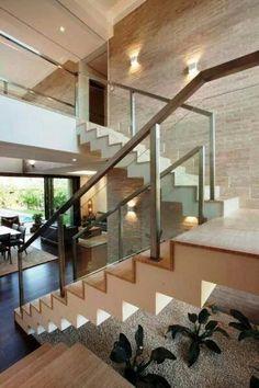 Iluminação, escada, guarda corpo