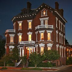 Haunted Hotels: Kehoe House, Savannah, GA - Haunted Hotels on the coast - Coastal Living Mobile Scary Places, Haunted Places, Places To Go, Creepy Things, Haunted Hotel, Most Haunted, Haunted Tours, Haunted Mansion, Abandoned Buildings