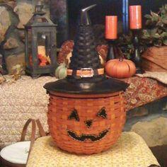 .Longaberger Halloween Basket.  t.