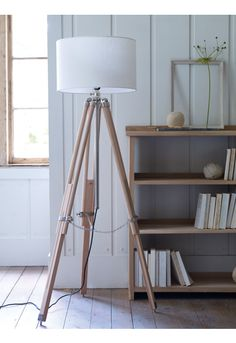 Floor Standing Wooden Tripod Lamp NEW - Decorative Home - Home Living Room Flooring, Home Living Room, Living Room Decor, Objet Deco Design, Modern Floor Lamps, Light Fittings, Tripod Lamp, Home Decor Accessories, Decoration