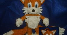 the link also has a pattern for sonic and a bunch of pokemon Toys Fuchs Crochet Crafts, Crochet Projects, Free Crochet, Crochet For Kids, Crochet Patterns Amigurumi, Amigurumi Doll, Crochet Dolls, Pokemon, Tails Doll
