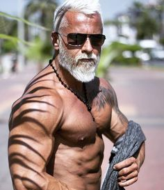 Old is bold.. #cardiomenfitness #Bodybuildingmotivation #MensFashionBeard