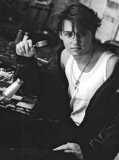 Johnny Depp with fork>>>I'm not sure why this is so funny... but it just is!