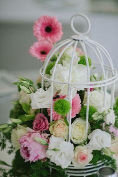 Bird Cage Centerpiece, Flower Centerpieces, Wedding Centerpieces, Wedding Decorations, Table Decorations, Church Wedding Flowers, First Communion Party, Fabric Wreath, Bird Cages