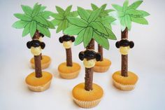 Place the cookies upright in the cupcakes and then attach the monkey heads with edible . Jungle Cupcakes, Baby Shower Cupcakes, Fun Cupcakes, Birthday Cupcakes, Wedding Cupcakes, School Birthday Treats, School Treats, Boy Birthday, Disney Cars Party