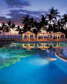 14 extraordinary hotel pools - Grand Wailea - A Waldorf Astoria Resort Hawaii, US Hawaii Resorts, Maui Hotels, Best Resorts, Hotels And Resorts, Luxury Hotels, Wailea Maui, Wailea Beach, Wailea Resort, Resort Spa