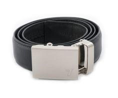 A belt without holes that clicks into place